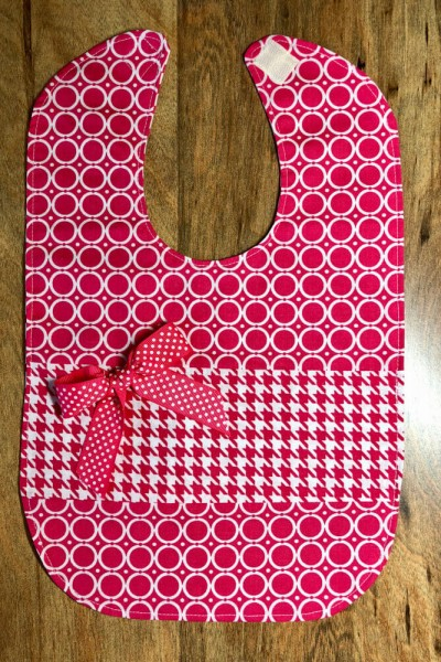 How to make a bib with a bow