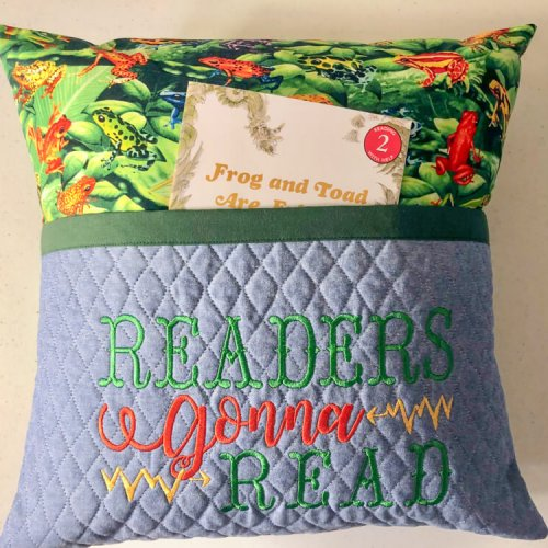 Reading Pillow-Readers Gonna Read 2